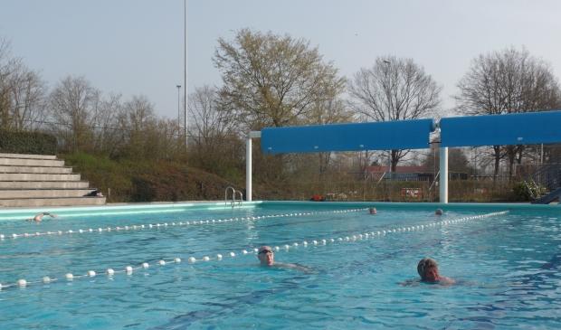 Zwemmers genieten vroeger dan ooit van De Meene