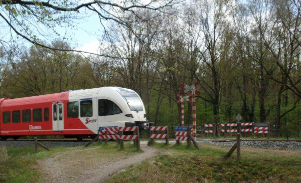 Afsluiting niet beveiligde overwegen Loorsteeg en Reurinkweg