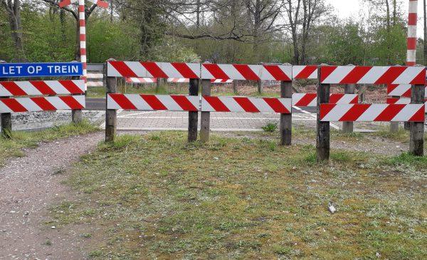 Bezwaren tegen afsluiting spoorwegovergang Loorsteeg