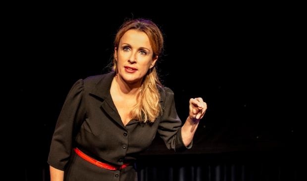 ANBE Annick Boer speelt Dat is goed gelukt in Theater Berkelland